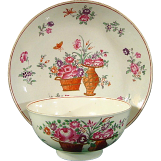 Worcester Famille Rose Waste Bowl and Its Rare Companion Dish from a Tea Service with Chinese Export Decoration c.1770.