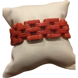 An Art-Deco 15K Yellow Gold and Angel's Skin Coral Bracelet. Circa 1930's.