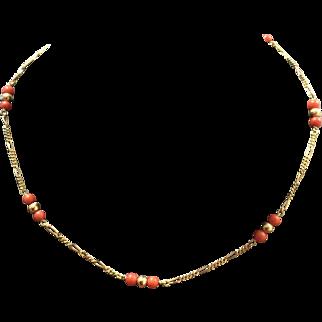 Vintage Mediterranean Coral Necklace in 18K Yellow Gold. Italy, circa 1960's.
