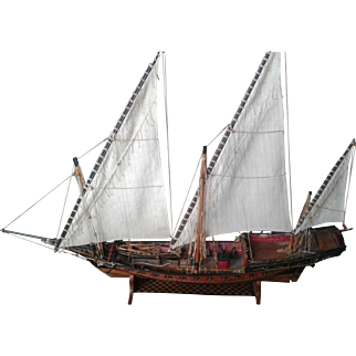 Antique French Wood Marine sailing boat XVII° century, made in wood and linen