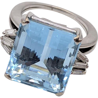 H. Stern 16.25 Carat Aquamarine & Diamond 18K White Gold Ring w/ 1971 Documentation