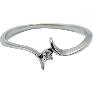 10K White Gold w/ Diamond Accent Bypass Band Ring