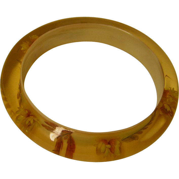 Vintage Apple Juice Resin Bangle Bracelet with Dried Flowers and Foliage