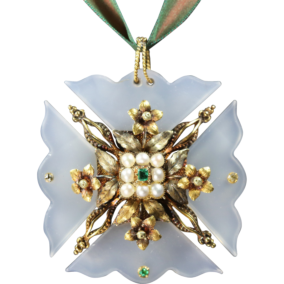 Georgian Gold Chalcedony Maltese Cross Circa 1820