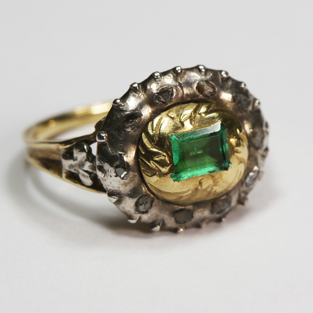 Splendid Georgian Emerald Diamond Ring 18th Century