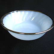 Anchor Hocking Fire-King White Golden Shell Berry Bowl 22k Gold Trim