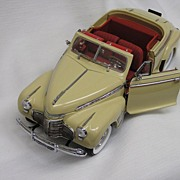 Classic Danbury Mint 1941 Die Cast Chevrolet Special Deluxe Convertible with Hardtop