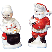 Mid-20th century Santa & Mrs Claus Napco Salt & Pepper Shakers