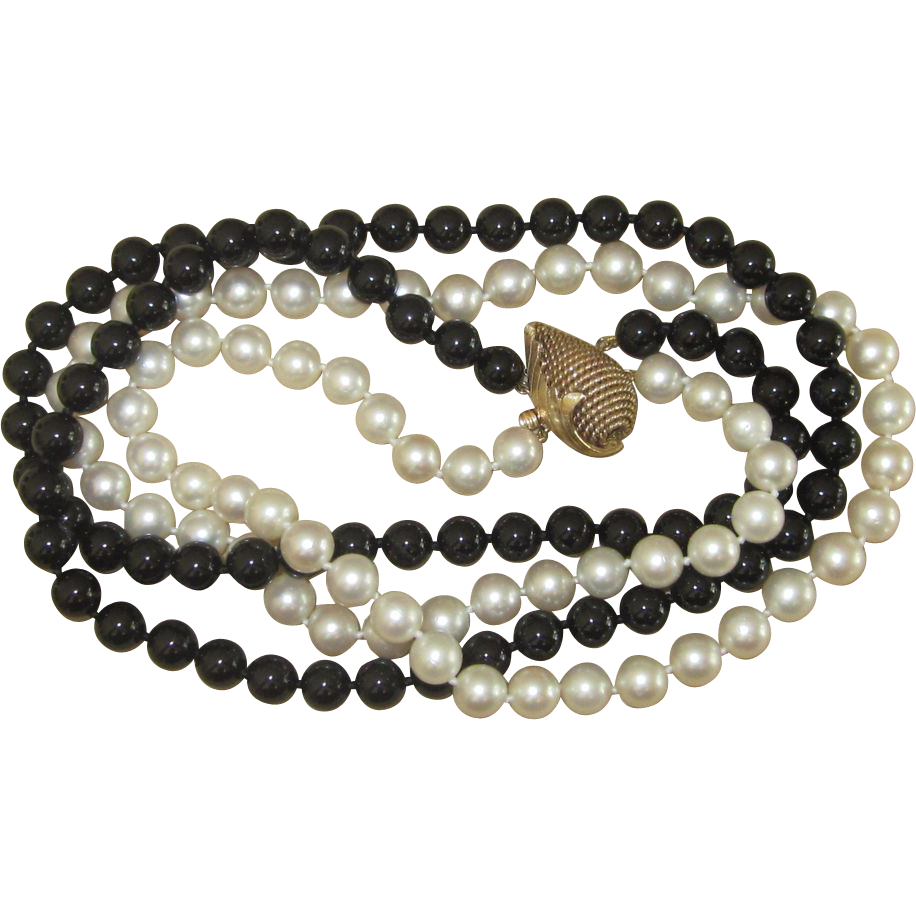 Magnificent  Cultured Pearl and Onyx Necklace 14k Gold Large Clasp
