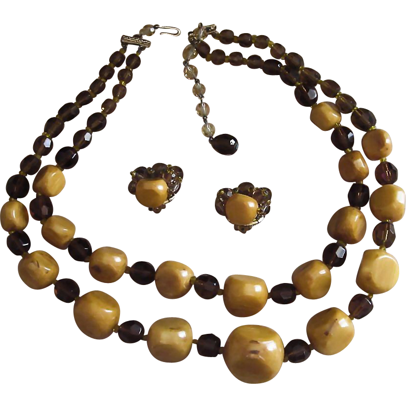 Jonne- Monumental Vintage Huge  Bakelite Necklace and Earrings