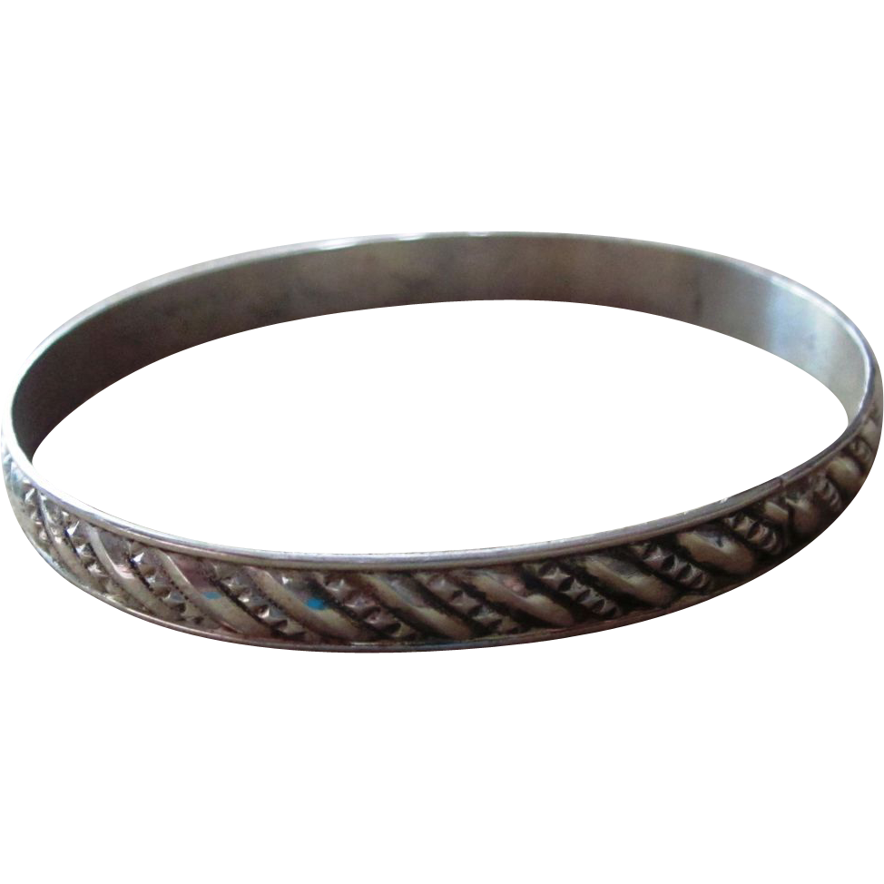 Sterling silver vintage bangle bracelet runway vintage for Best place to sell gold jewelry in chicago