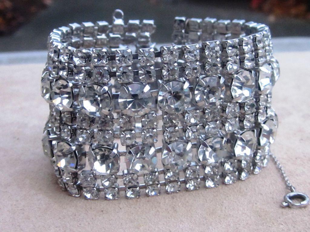 dating vintage smykker halskjede spenner