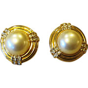 Ciner Fabulous Faux Pearl and Rhinestone Signed Vintage earrings