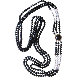 Cultured Pearl, Black  Onyx and 14k gold Amazing Clasp 32 Inch Vintage Necklace