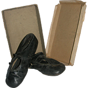 Shoes in original shoe box Dating 1906