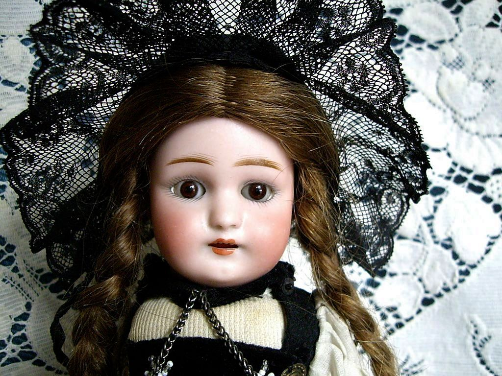 German 12'' Handwerck S&H All Original Doll