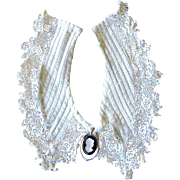 Vintage Ivory Crochet Style Collar