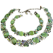 Lisner Green Ribbed Art Glass Necklace and Bracelet Set
