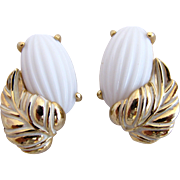 Schiaparelli White Lucite Flower Clip Earrings