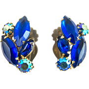 Vintage Weiss Blue Rhinestone Clip Earrings