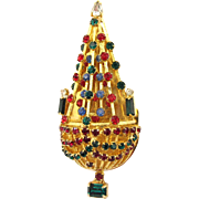 Warner Chandelier Christmas Tree Pin - Book Piece