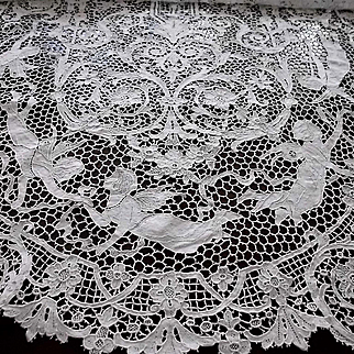 """Fabulous White Figural Needlelace Cloth Lace Tablecover Tablecloth Panel 34"""" x 101"""""""