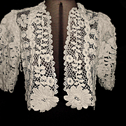 Gorgeous OLD Creamy White Irish Crochet Lace Bolero Jacket w Roses and Daisies