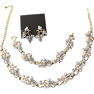 Vintage Gold Tone with Silver Tone Leaf Necklace and Bracelet/Clip Earrings Set