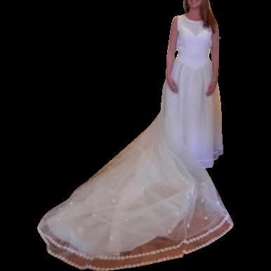Vintage Sleeveless Lace Bodice, Full Skirt Ivory Wedding Gown, Long Train, Size Medium