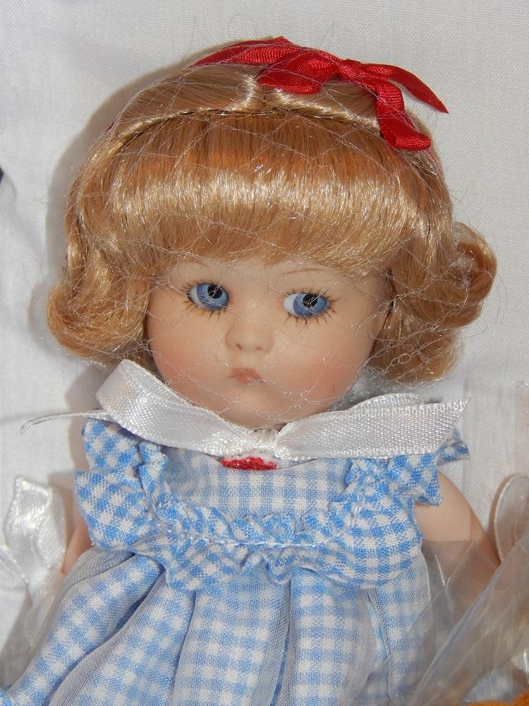 "8"" Vogue ""Just Me"" Souvenir Doll - UFDC 2012 - MIB"