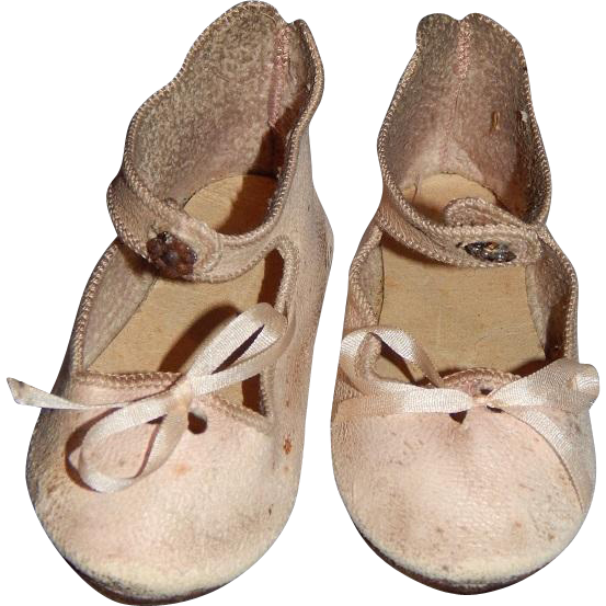 Antique Pink Leather Presentation Jumeau Shoes
