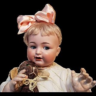 Lifesize flirty eyed K*R 126 character baby doll
