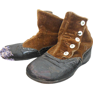 Victorian Brown velvet and Leather small size childrens boots with Glass buttons