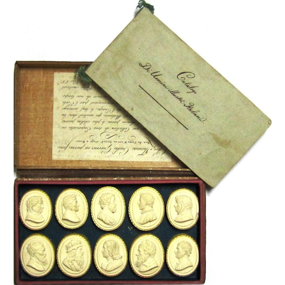 Fascinating Regency-era Souvenir Boxed Set of Plaster Depictions of Famous People, Tommaso Cades