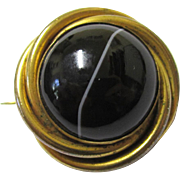 Stylish Agate & Gilt Metal Brooch, early 20th Century
