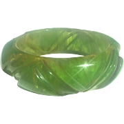 Bakelite Bangle Bracelet Caved in Marbled Transparent Green