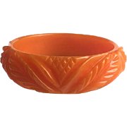 Bakelite Bangle Bracelet Carved Leaves