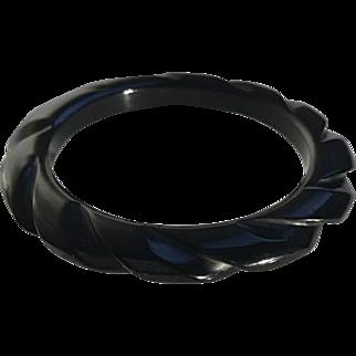 Bakelite Bangle Bracelet Carved in Black