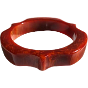 Bakelite Bangle Bracelet Carved in Marbled Persimmon
