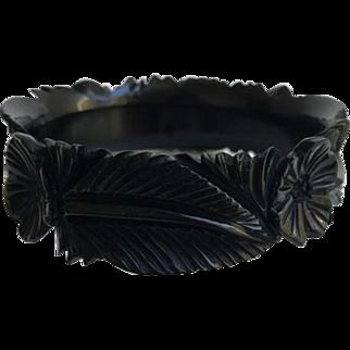 Bakelite Bangle Bracelet Beautiful Carving ca. 1930s