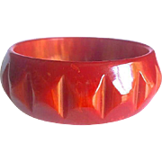 Bakelite Bangle Bracelet Carved and Marbled Chicklet