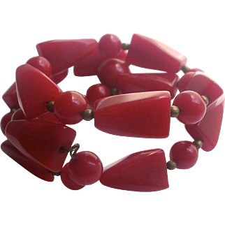 Bakelite Beaded Bracelet on Wire Red