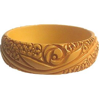 Bakelite Bangle Bracelet Intricately Carved