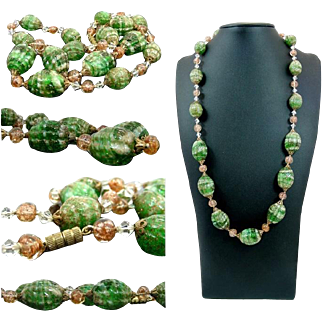 Beautiful Art Decò Murano Lampwork Glass Beaded Necklace, Done In A Pretty Clear, Green And Aventurine Swirled Glass
