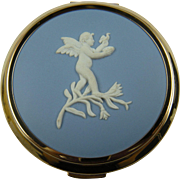 Signed STRATTON Made in England Wedgewood Compact Like New in Box with Pouch