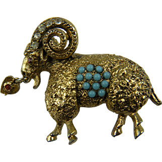 Unique Figure Pin Mountain Goat with Curled Horns