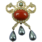 Signed HATTIE CARNEGIE Brooch with Imitation Pearls