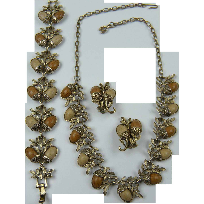 Wood Grain Acorn Necklace Bracelet and Matching Earrings Parure