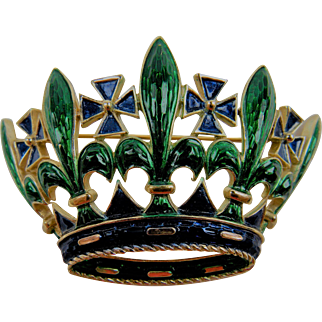 Signed TRIFARI Regal Crown Brooch with Maltese Cross Pattern