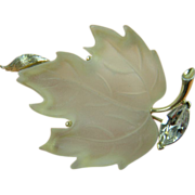 LISNER Frosted Lucite Maple Leaf Brooch